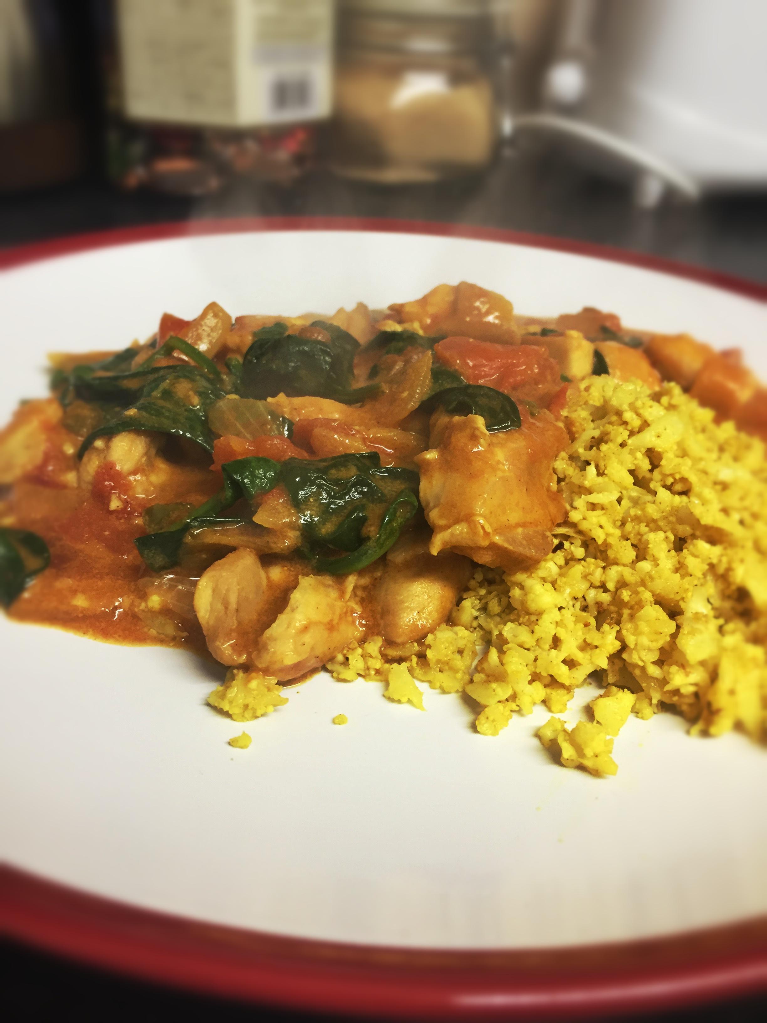 chicken curry and cauliflower rice dish