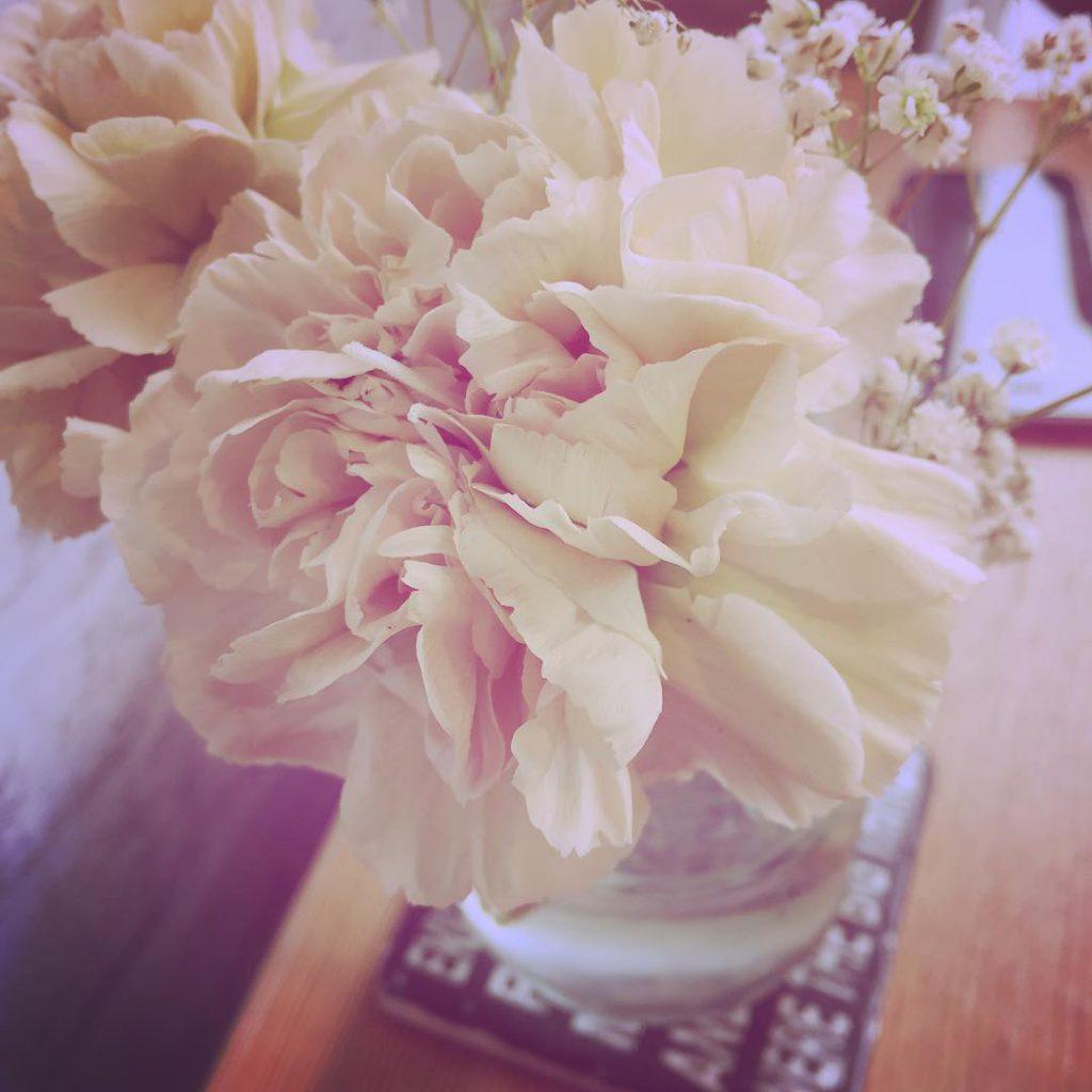flowers, bouquet, uk, cafe