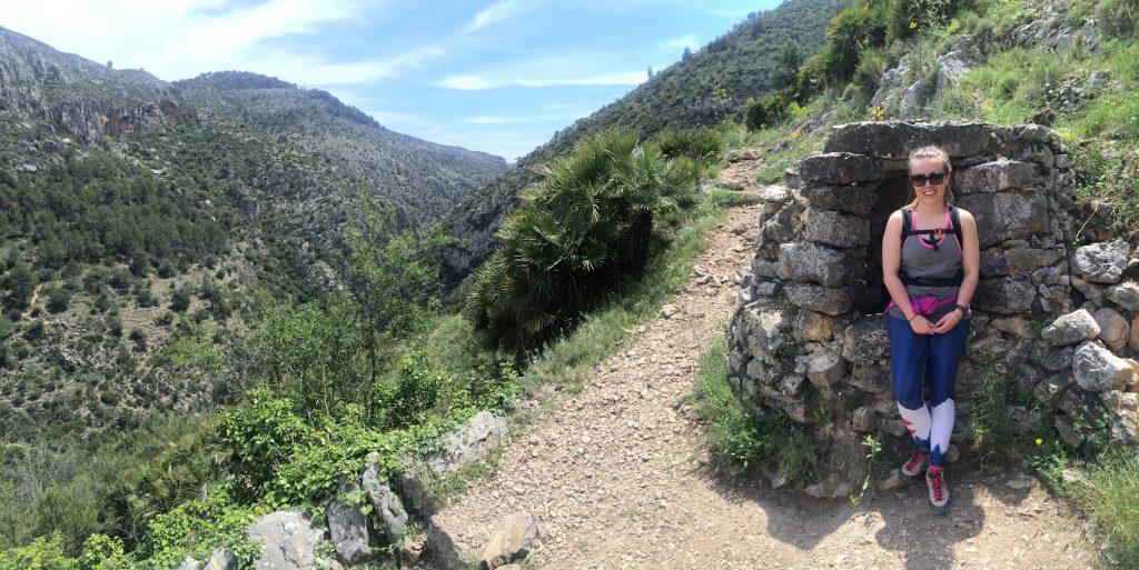 taking a little break, barranco del infierno, spain, alicante, hiking, caffeine berry