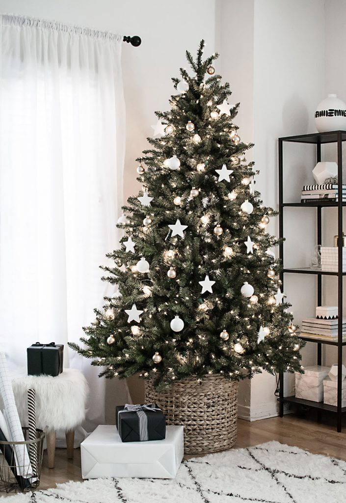 christmas tree in basket, basket, chic, stars