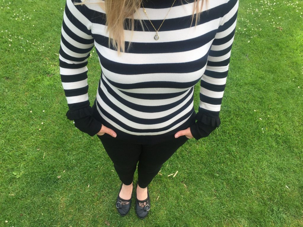 golden pendant trend, stripes for summer and ballet flats