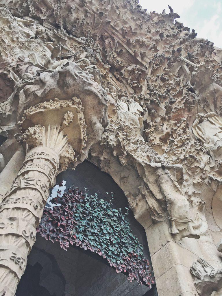 entrada - sagrada familia - entrance - architecture